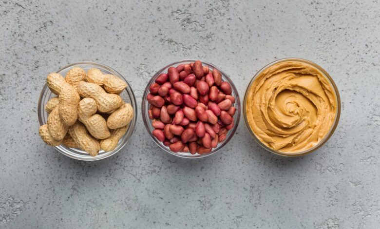 Five Explanations Why Eat Peanuts Each Day